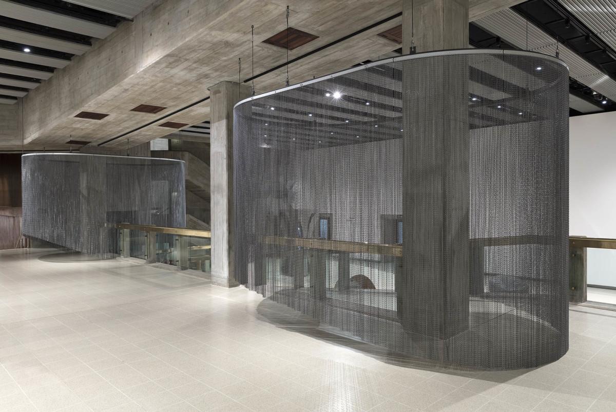 Daniel Steegmann Mangrané ⊂⊃, 2018 Kriska aluminium curtains 305 (max height) x 488 x 288 cm (120 1/8 x 192 1/8 x 113 3/8 in)