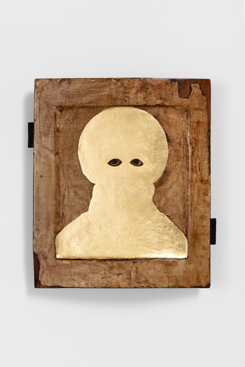 Etienne Chambaud Uncreature, 2021 Oil and gold leaf on wood panel 31 x 26 x 6 cm (12 1/4 x 10 1/4 x 2 3/8 in)