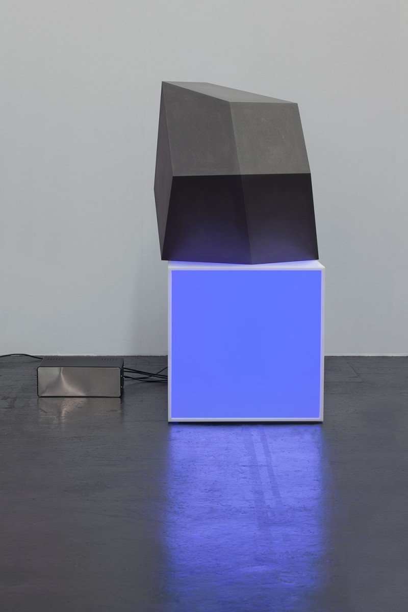 Angela Bulloch Thing One on Pixel Box Blue, 2014 Corian DMX module (Pixel Box), blue lamps, grey MDF, control box 50 x 50 x 50 cm (Pixel Box), 58 x 70 x 60 cm (rhombus)
