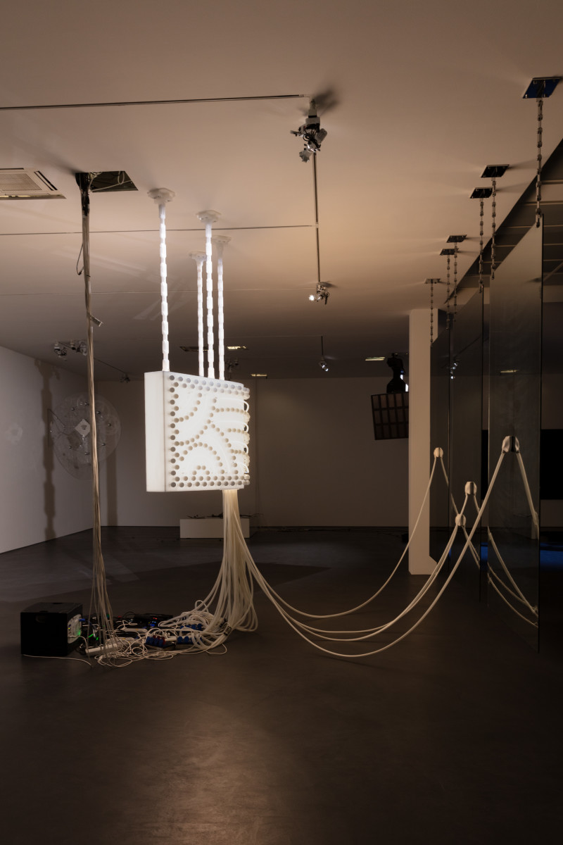 Philippe Parreno Marquee, 2020 Semi-opaque white Plexiglas, 231 light bulbs, 12 neon tubes (ø 14 mm), 46 m LED tape, DMX recorder, dimmers, transducers, light and sound program, acrylic chains Glass panels: two-way mirror, security glass, polished stainless steel chains 100 x 200 x 78 cm (39 3/8 x 78 3/4 x 30 3/4 in, Marquee) 210 cm (Plexiglas chains) 140 x 270 x 0,8 cm each, 3 parts (glass panels) Installation dimensions variable