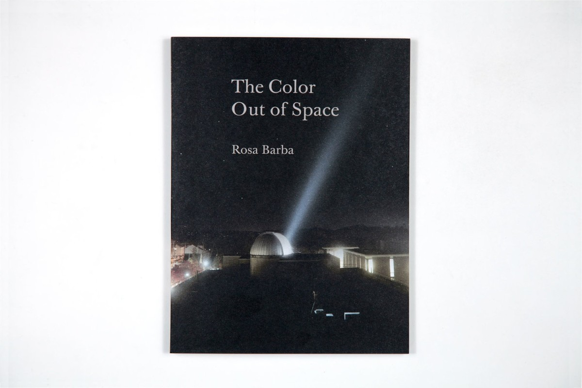 Rosa Barba The Color Out of Space Eds. Henriette Huldisch, Karen Kelly, Barbara Schroeder Texts by Victoria Brooks, Henriette Huldisch, Gloria Sutton Publisher: MIT List Visual Arts Center/Dancing Foxes Press, Brooklyn 2013 Paperback, 96 p. English Buy here