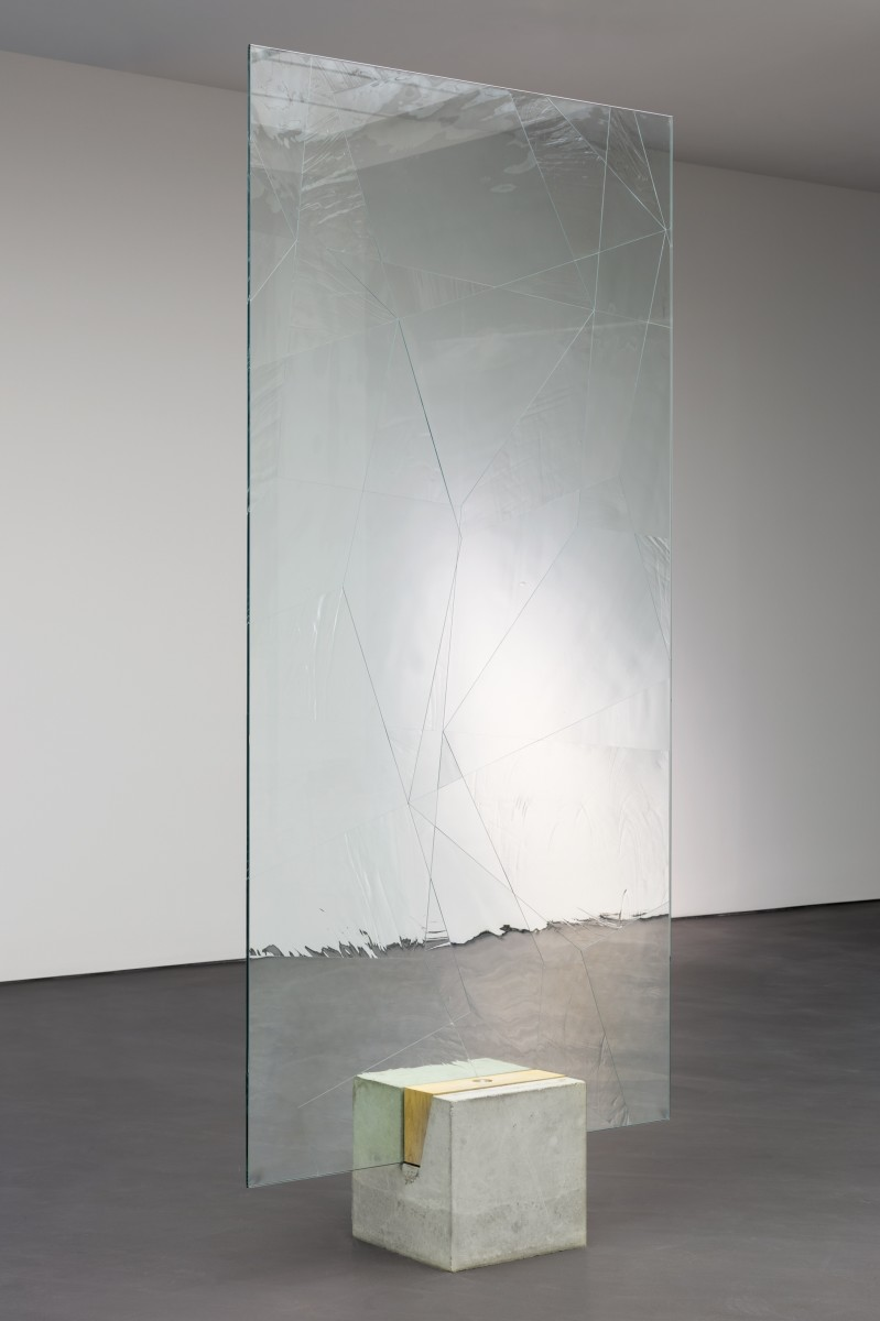 Daniel Steegmann Mangrané, Systemic Grid 124 (Window), 2019, security glass, ornamental glass, mounts, concrete and wood pedestal, glass panel, 278,2 x 126 x 40 cm (109 1/2 x 49 5/8 x 15 3/4 in) approx. (overall). Photo © Andrea Rossetti