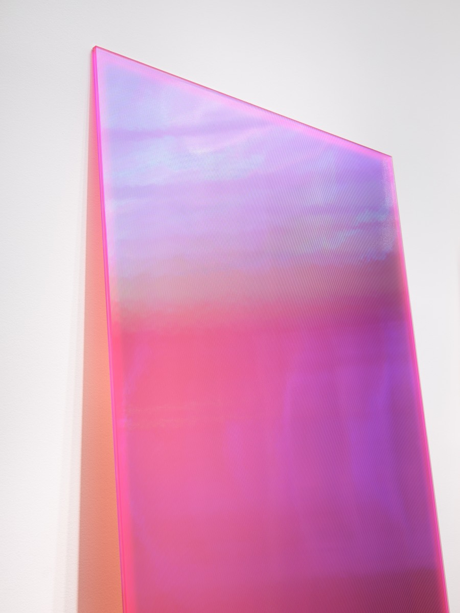 Detail: Ann Veronica Janssens, Bright Pink & Yellow, 2020. annealed glass, vertical ribs, PVC filter, 230 x 115 x 1,2 cm (90 1/2 x 45 1/4 x 3/8 in) (2 parts), edition of 1. Photo © Jörg von Bruchhausen