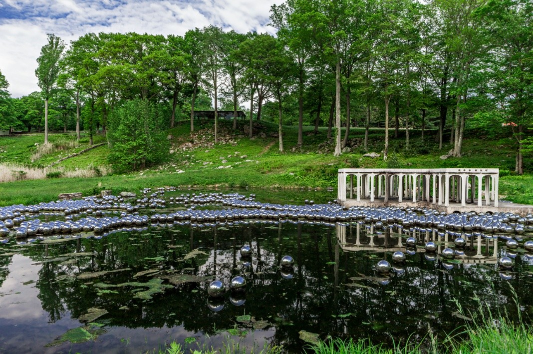 Yayoi Kusama Narcissus Garden At The Glass House Connecticut