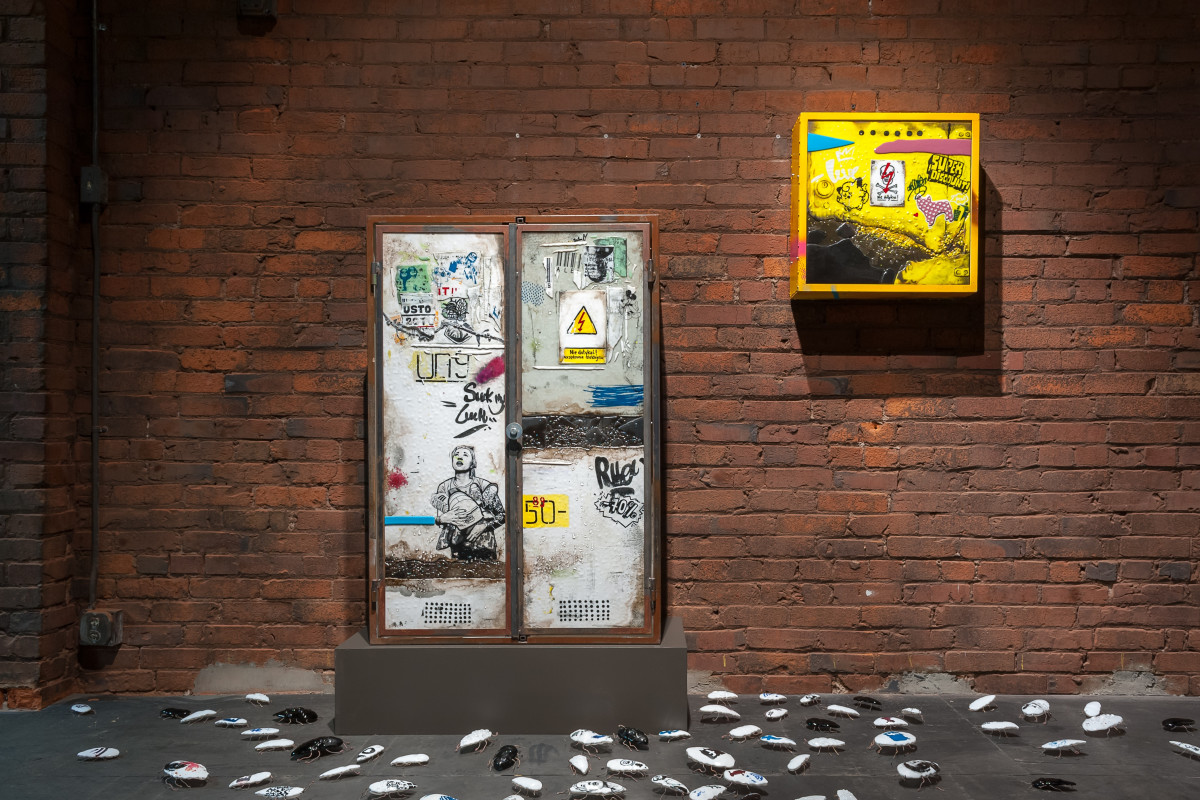 "Kalina Bańka, ""Noise"", 2016, screenprinted and handpainted kilnformed glass, metal, dimensions variable"