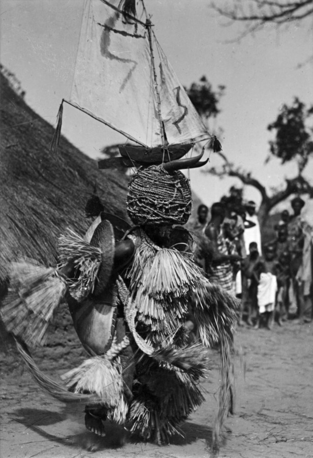 <div class=&#34;artist&#34;><strong>Hugo Bernatzik</strong></div><div class=&#34;title_and_year&#34;><em>Dancer wearing headdress, Antula</em></div><div class=&#34;medium&#34;>Period vintage silver gelatin print, printed late 1930's</div><div class=&#34;dimensions&#34;>13 x 18 cm</div><div class=&#34;edition_details&#34;>Unique</div><div class=&#34;signed_and_dated&#34;>Various notations, credit labels and wet stamp on verso</div>