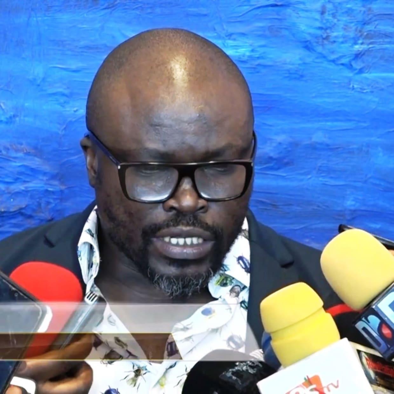 Dakaractu TV reports on 'Sunu Thiossane', the current Exhibition at the Dakar Blaise Diagne airport featuring Soly Cissé