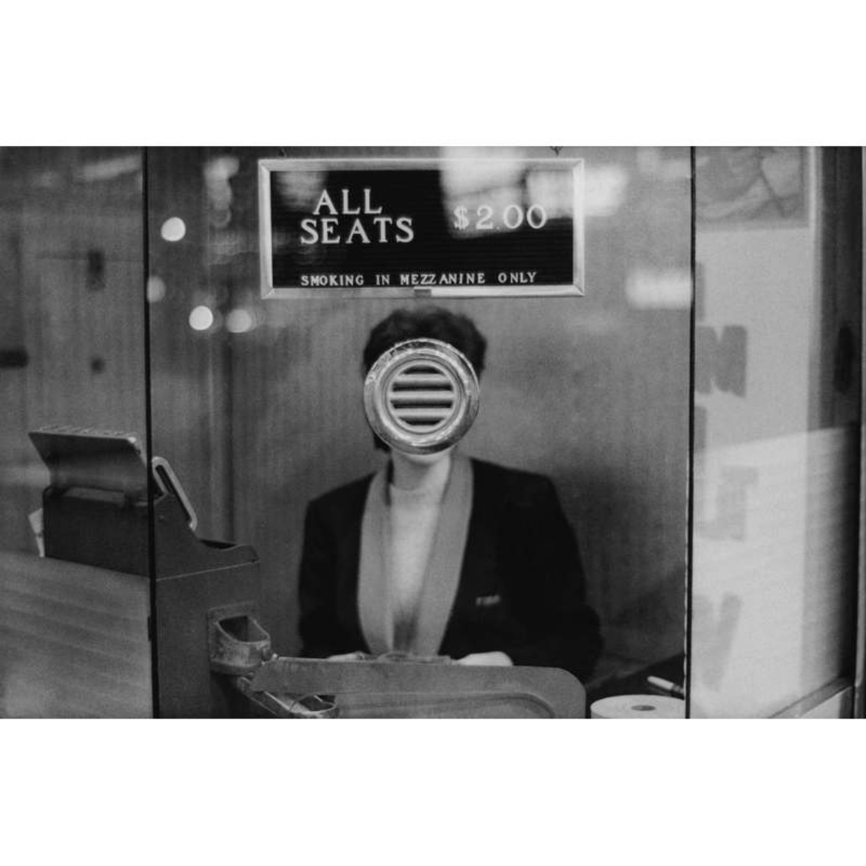 JOEL MEYEROWITZ EARLY WORKS CURATED BY SAM STOURDZÉ The American colour photography master Joel Meyerowitz began his career in New...