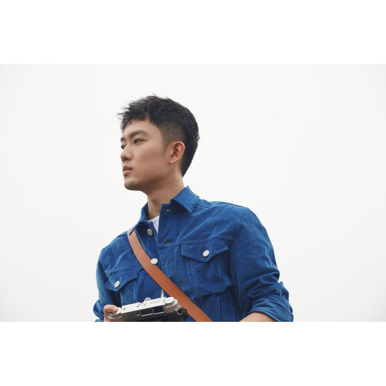 artist Qin Hao Singer, songwriter and photographer. Born in Chongqing in 1986, he now lives in Chongqing. Qin Hao graduated...