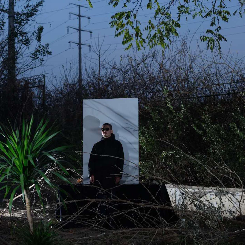 Artist Wang Yishu Born in 1973 in Gansu, a native of Liaoning, Wang Yishu graduated from the Chinese Department of...