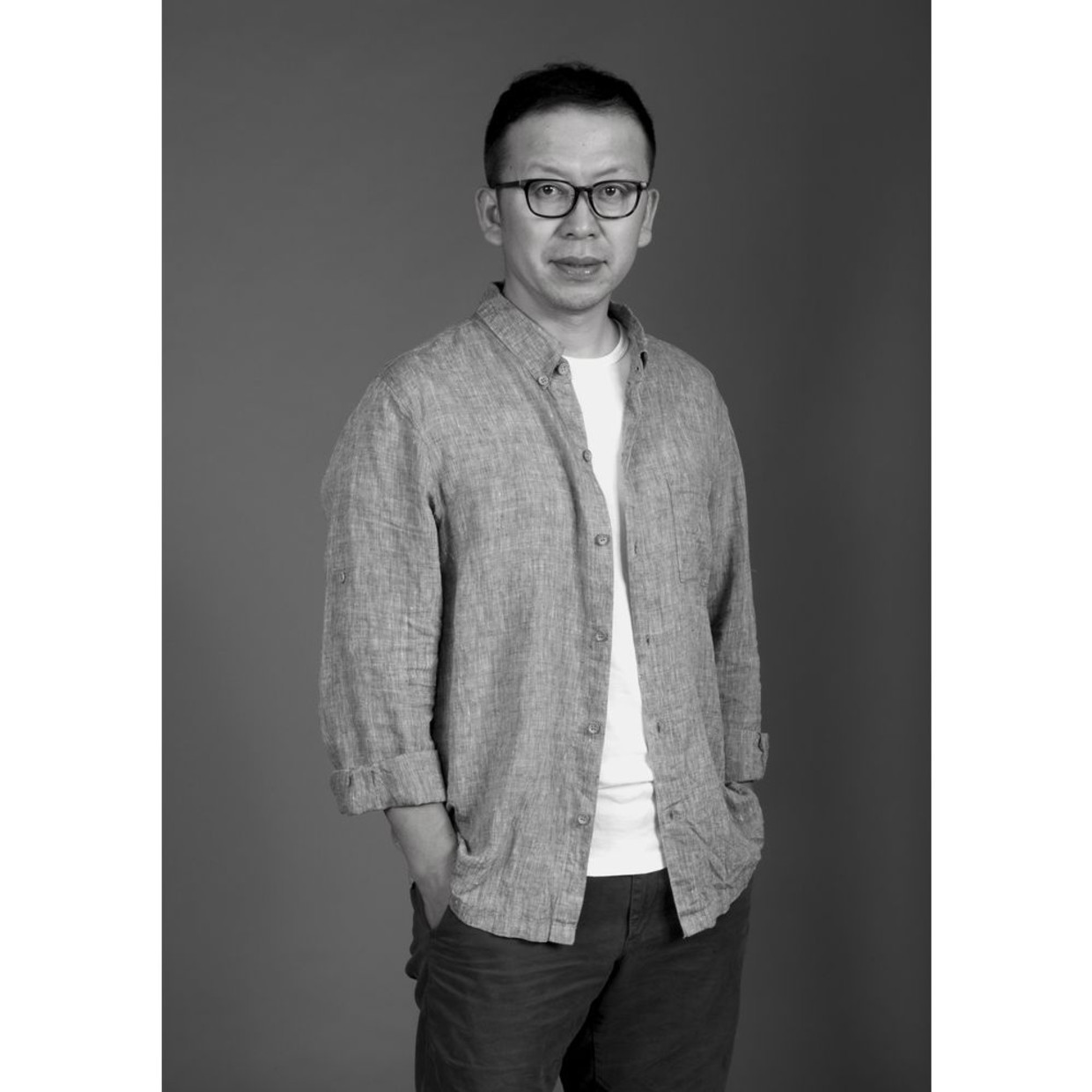 Ao Guoxing Graduated from the Photography Department of LuXun Academy of Fine Arts in 2002, Ao Guoxing is now a...