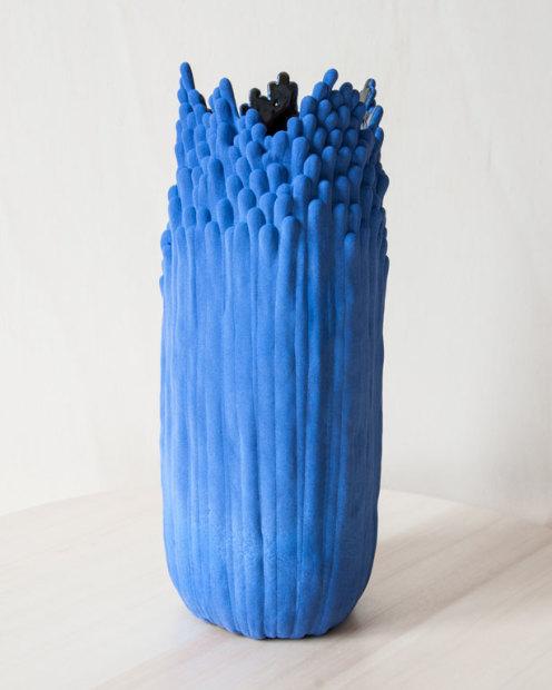 Cécile Bichon, Moyen Vase Blue - Noir, 2019