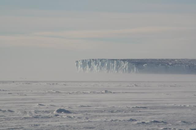 Grahame Sydney, Barne Glacier 4, 1/10, 2008