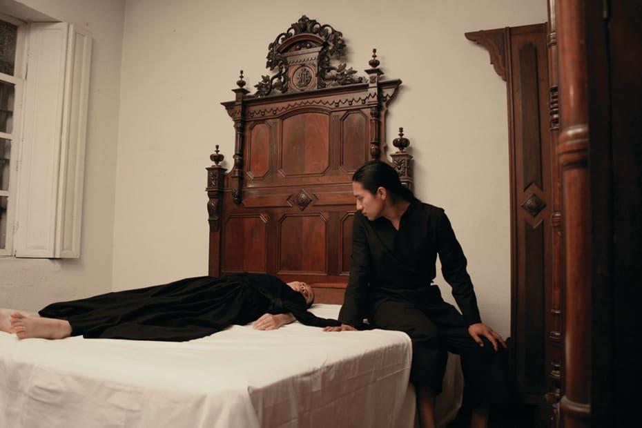 Photographic still in the video work: Meditando el Error, 2015
