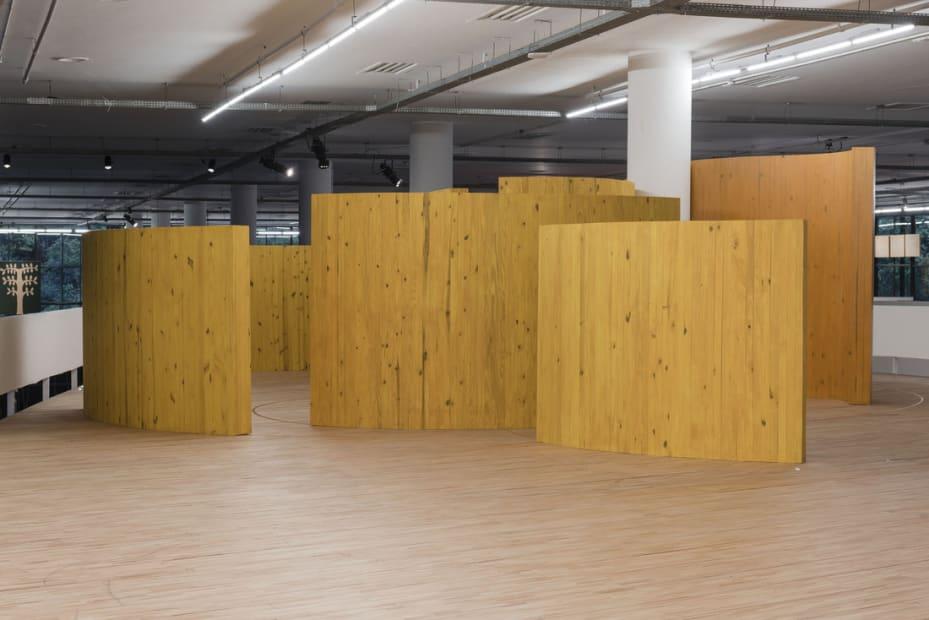 Te Doy una Esfera de Luz Dorada (Installation Shot of 33rd Bienal de São Paulo), 2018