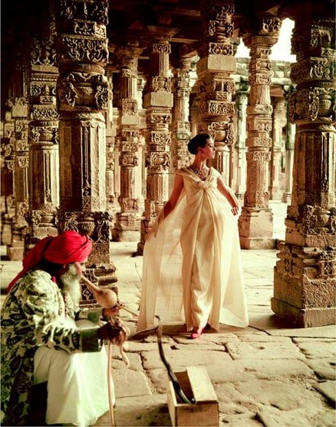 Norman Parkinson, The Pillars of Quwwat-Ul-Islam Mosque at Dusk, 1956