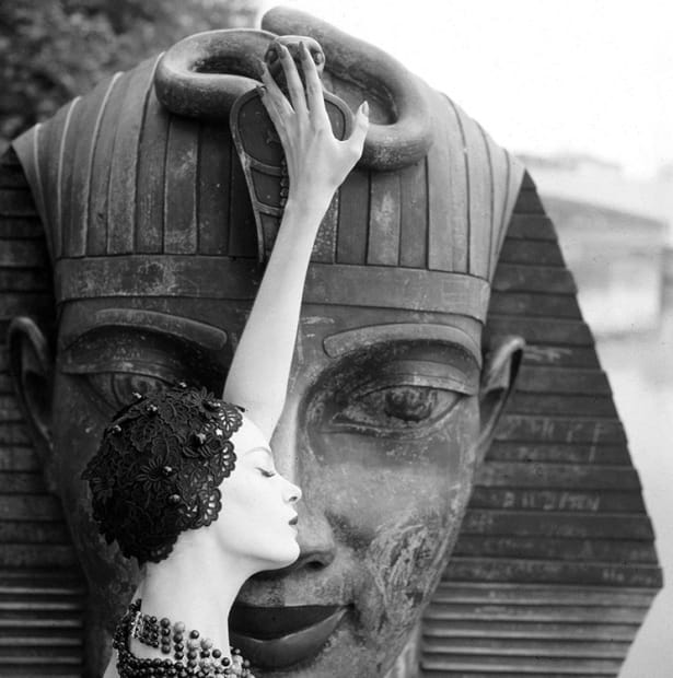 Norman Parkinson, Nena and the Sphinx, 1963