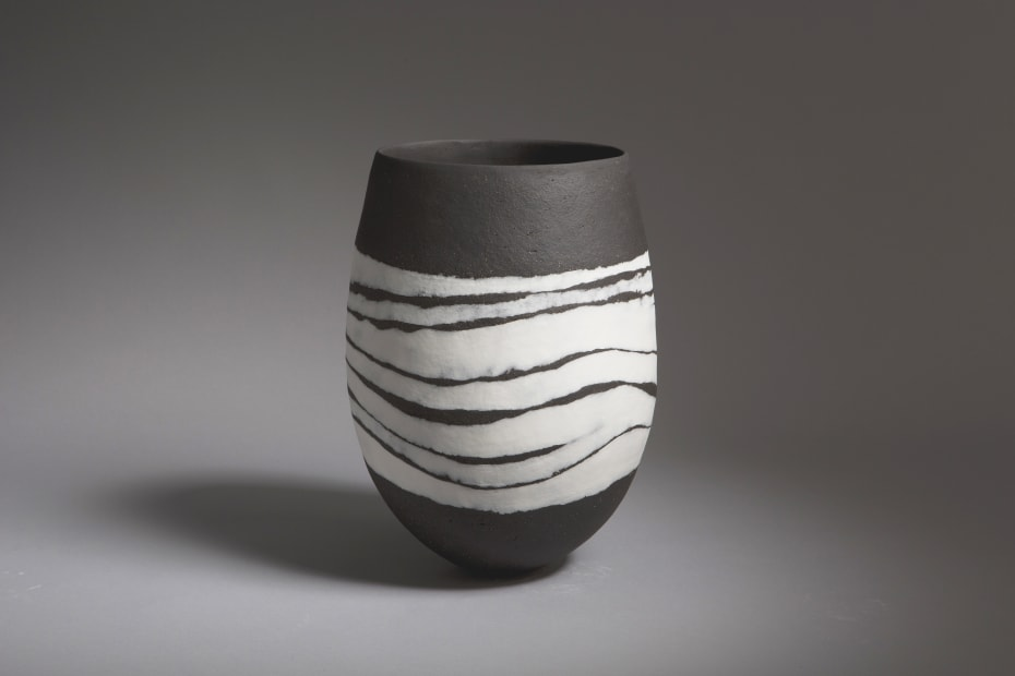 Gabriele Koch, Black Vessel, Wave Bands, 2020