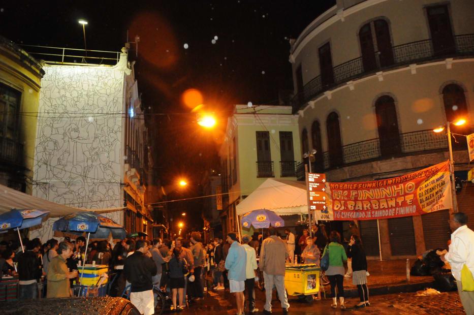 Mc Fininho e DJ Barbante no Baile (Gentil) Carioca | A Gentil Carioca | Rio de Janeiro, Brasil, 2011
