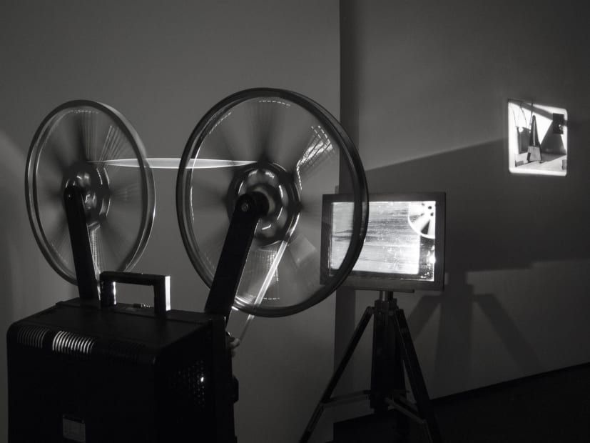 Guy Sherwin Projector Illuminating Itself, 2016 Installation for 16mm projector, mirrors, 9 second film loop (GSN001)