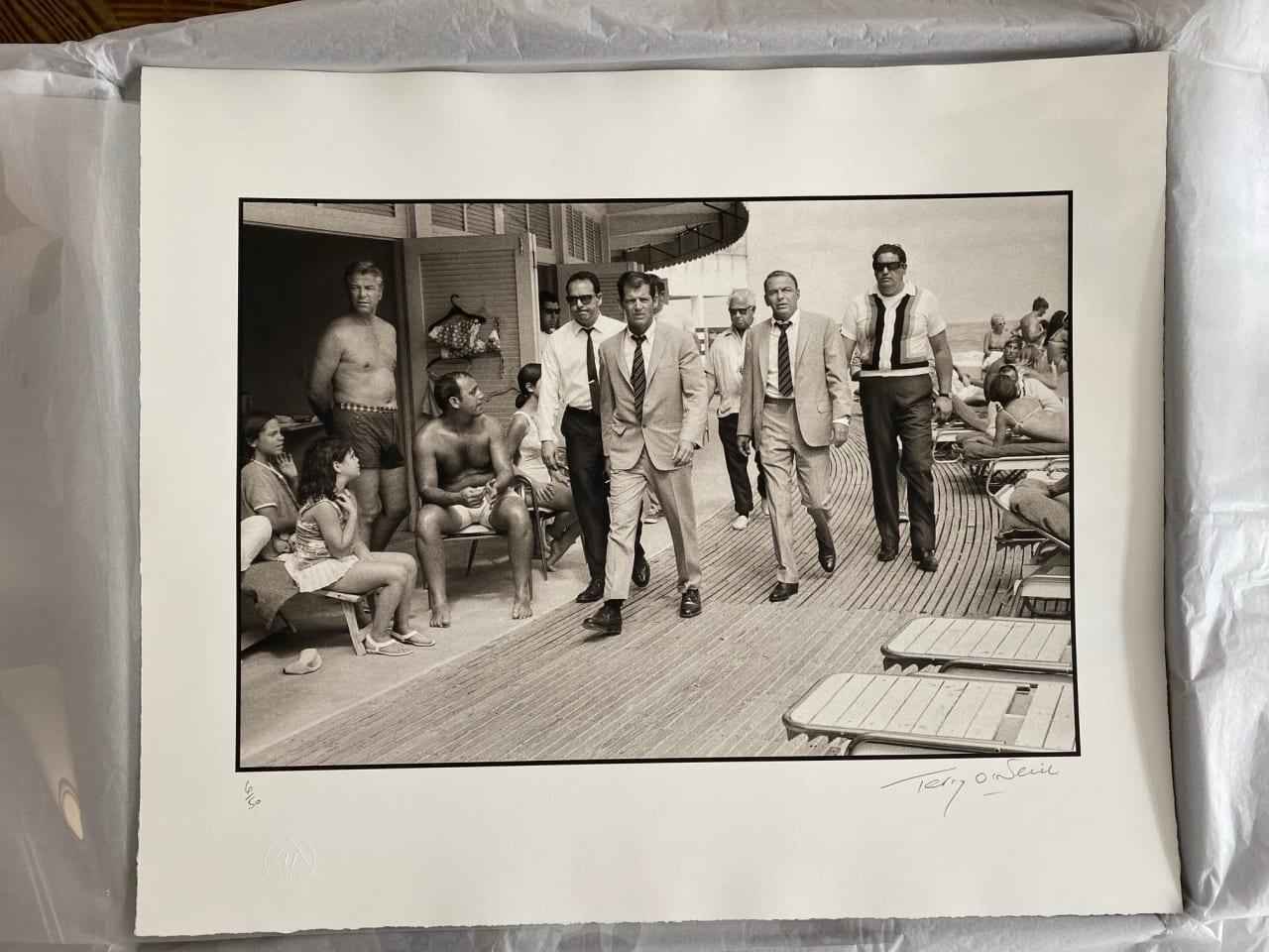 Terry O'Neill, Frank Sinatra on the Boardwalk, 1968