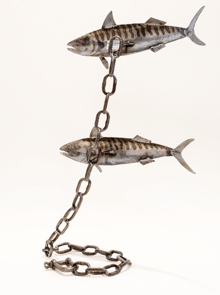 Kerry Whittle, Two Mackerel on a Chain
