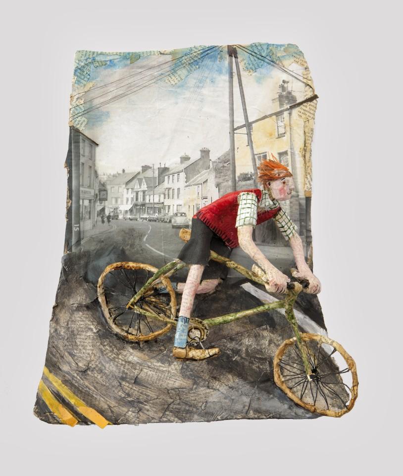 Luned Rhys Parri, Beicio trwy Bethesda / Biking through Bethesda