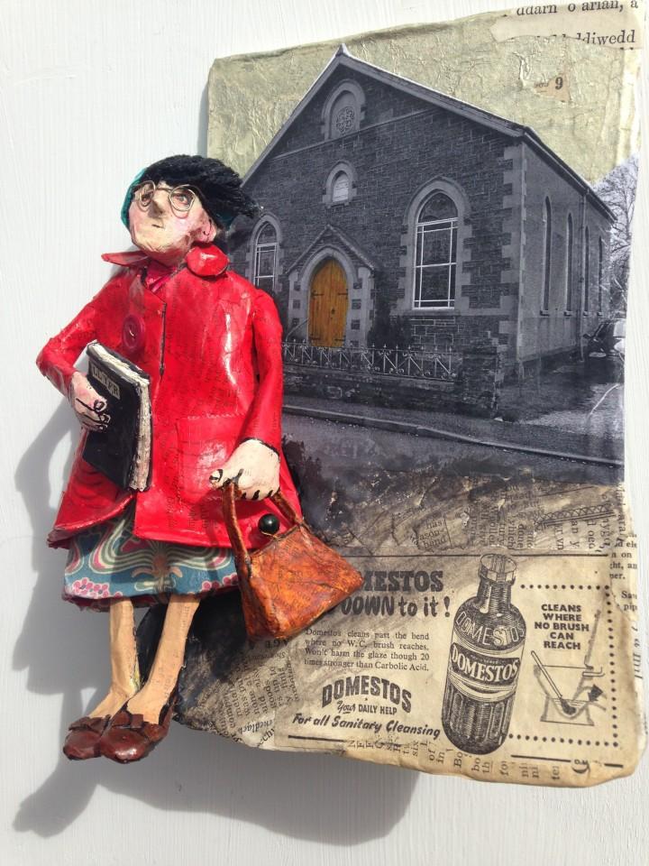 Luned Rhys Parri, Dynes Fach yn y Gôt Goch / Small Woman in a Red Coat