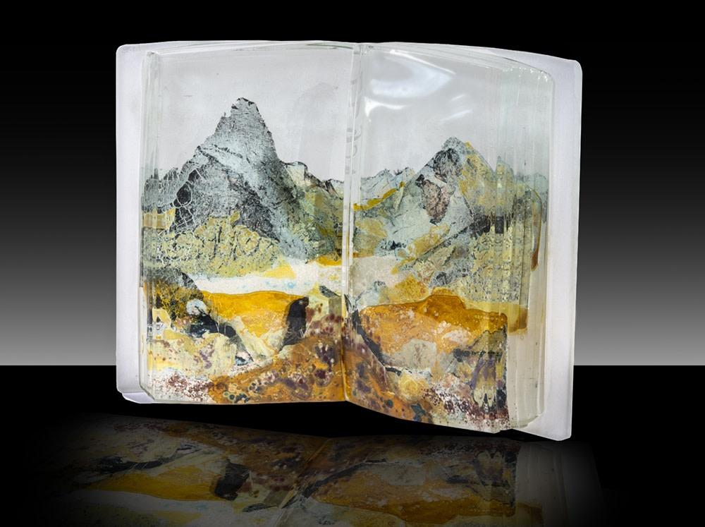 Kate Pasvol, Llyn Ogwen Book