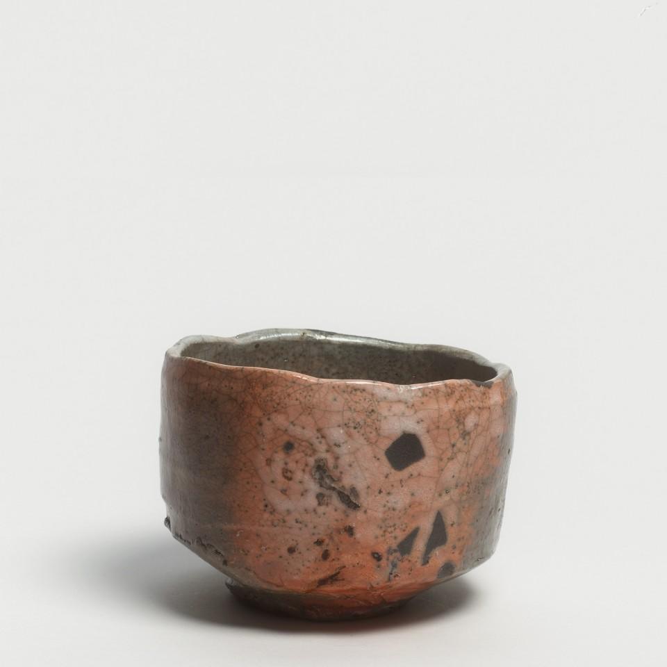Kei Tanimoto, #020167  Bemalte rote Raku Teeschale (iga aka-raku tetsue chawan), Iga-Typ, 2013