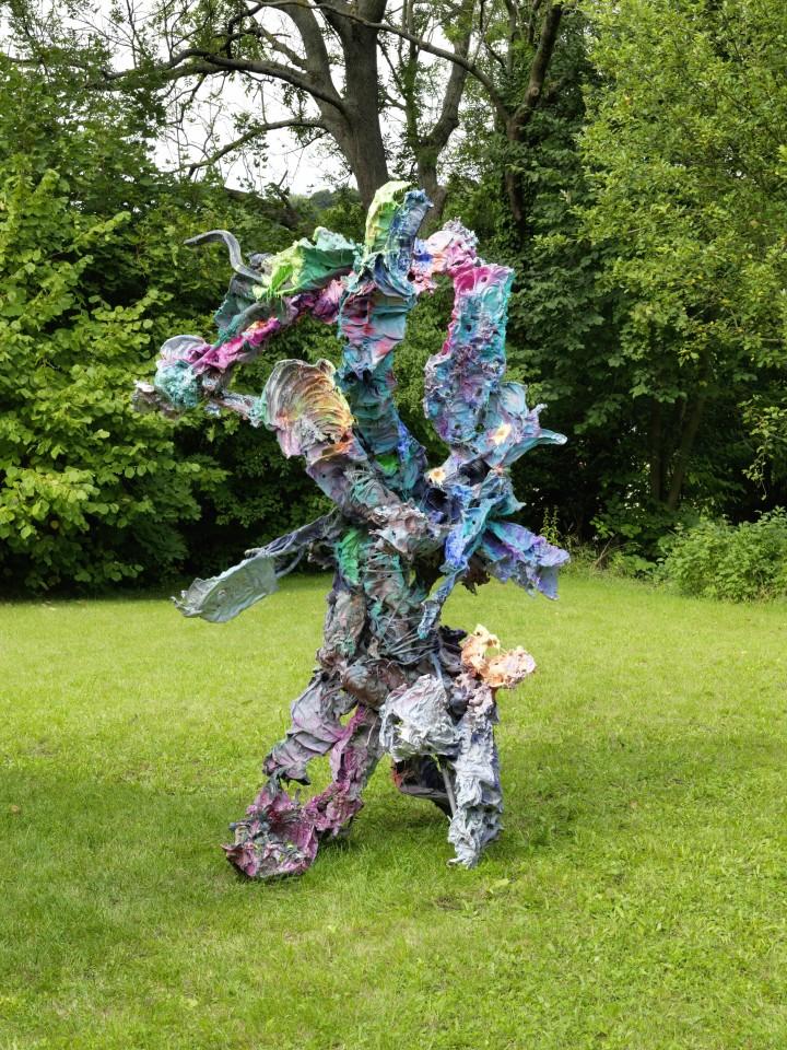 Karl Karner  Oimos, 2019  Aluminum, enamel paint,silicone  140 x 190 x 146 cm  Photo: © FARBPRAXIS