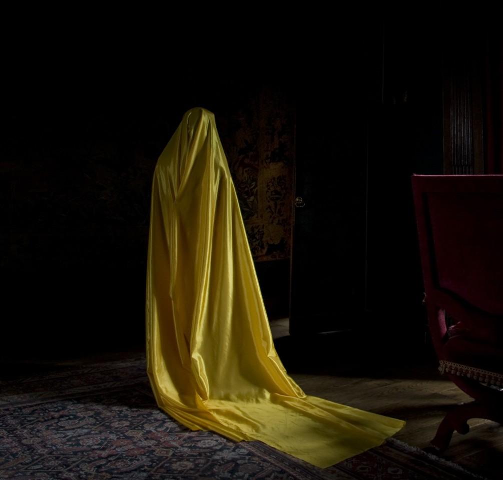 Güler Ates, Woman in Yellow Dress, 2011