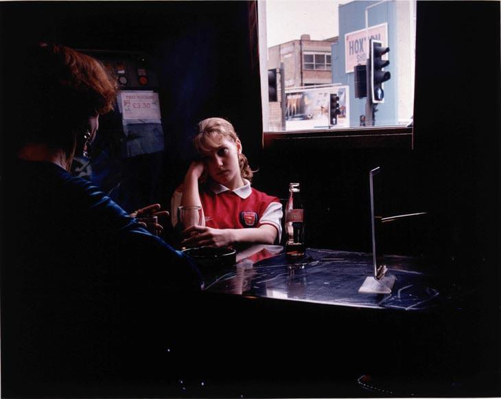 Hannah Starkey, Untitled, 1998
