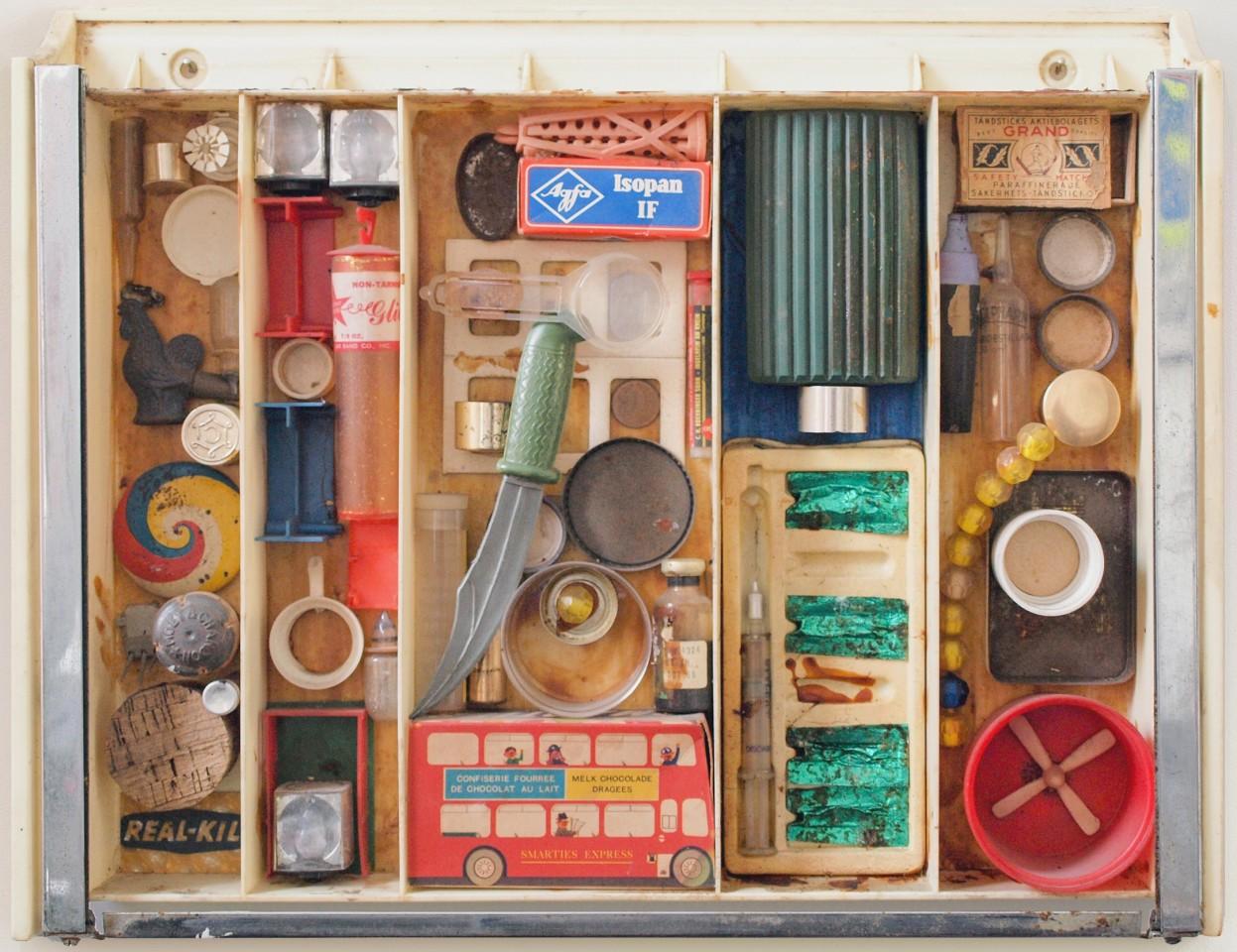 JAN HENDERIKSE, Untitled, c. 1965  Mixed media in plastic showcase  13 1/4 x 17 inches  (33.4 x 43 cm)