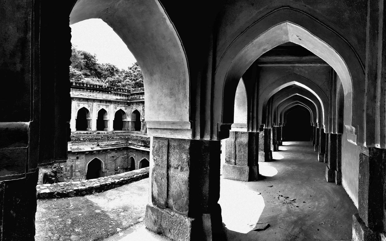 William Dalrymple , Rajon ki baoli, Mehrauli, Delhi