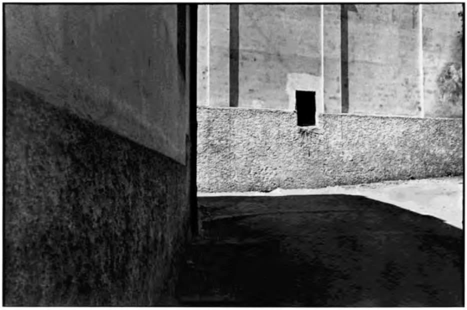 Salerne, Italie, 1933 | Série Trop tôt, trop tard (After Henri Cartier-Bresson), 2007
