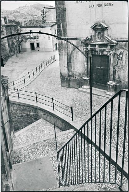 Aquila Degli Abrusi, Italie, 1952 | Série Trop tôt, trop tard (After Henri Cartier-Bresson), 2007