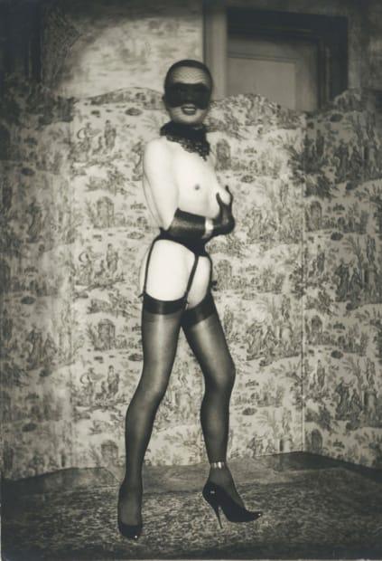 Autoportrait avec jarretelles et loup, 1965