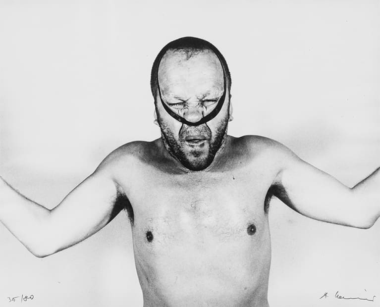 Autoportrait avec bande noire, 1968