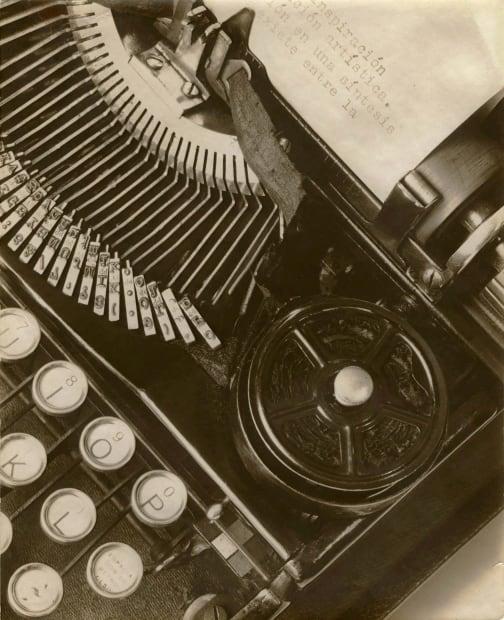 Mella's Typewriter, 1928