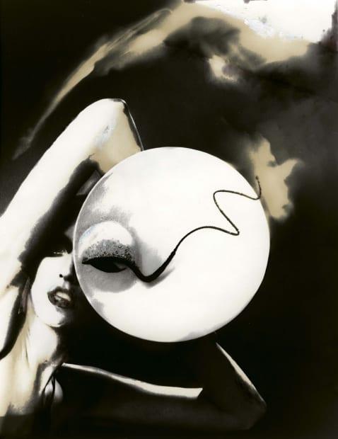 Kronung des Chic, Jada, hat by Philip Treacy, German Vogue, 1998