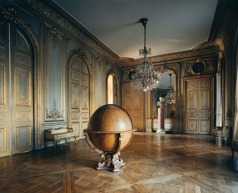 Globe, Paris, 2010