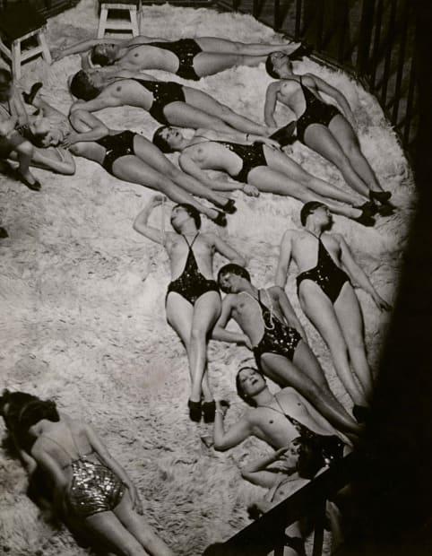 Le Dompteur et ses Fauves, vue des Coulisses des Folies-Bergère, 1932