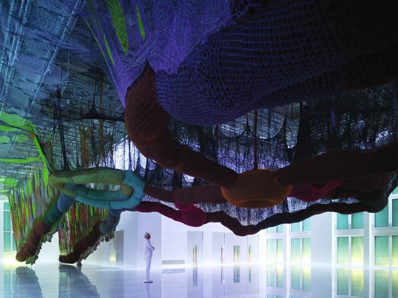 O Bicho SusPensa na PaisaGen, Los Molinos Exhibition Hall, Faena Art District, Buenos Aires, Argentina, 2011