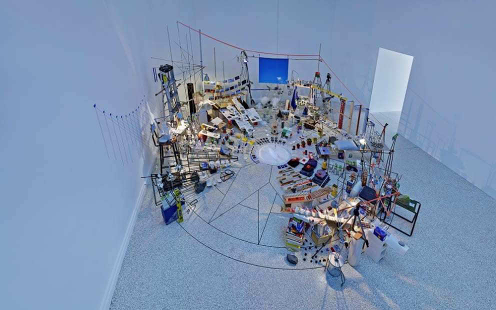 Image of Sze installation, pendelum