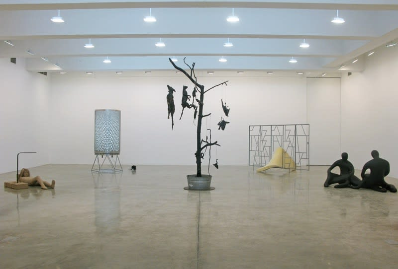 Installation view of SUMMER SHOW 2009.