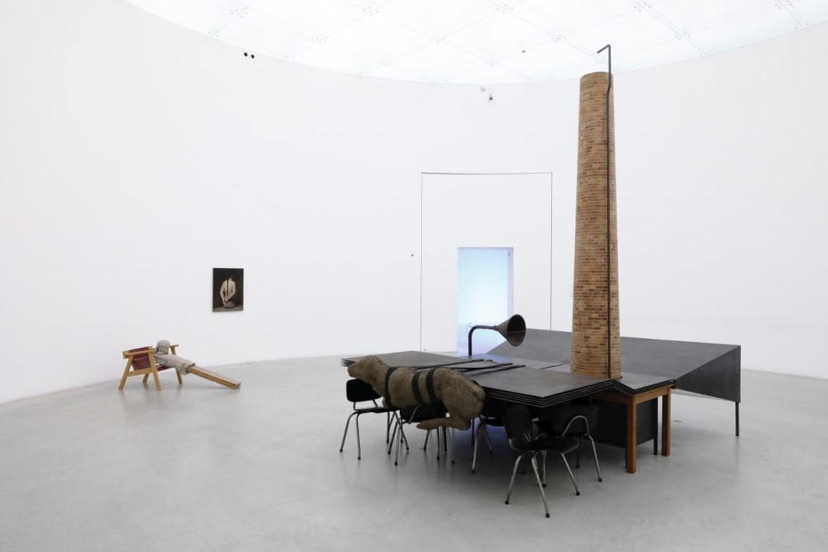 intsall image of Mark Manders and Michael Borremans two person exhibition
