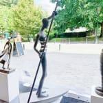 oorsprong, miramontes, isabel miramontes, bronzen sculptuur, beeldhouwkunst, monumentale sculptuur, tuinsculptuur, minimalisme sculptuur, hedendaagse sculptuur, figuratieve sculptuur, hedendaagse kunst, vrouwensculptuur, bootsculptuur, tuinsculptuur, woondecoratie, zensculptuur, sculptuur op water, interieurontwerp, kunstdecoratie, kunstontwerp, art thema heyi, brussels art gallery, woman sculpture, girl sculpture