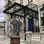 Gerard_Byrne_painting_plein_air_Spring_Shadows_Mansion_House_Dublin_modern_irish_impressionism