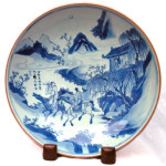 A SUPERB LARGE CHINESE BLUE AND WHITE SAUCER DISH, Shunzhi (1644-1661)